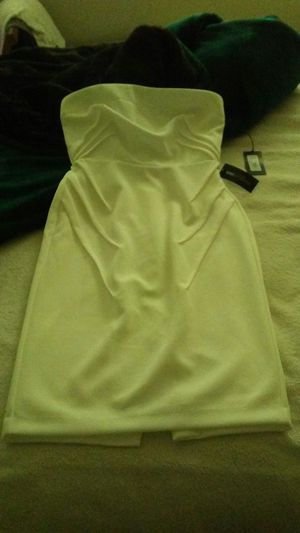NEW YORK & COMPANY GABRIELLE UNION DRESS for Sale in Clarksburg, MD