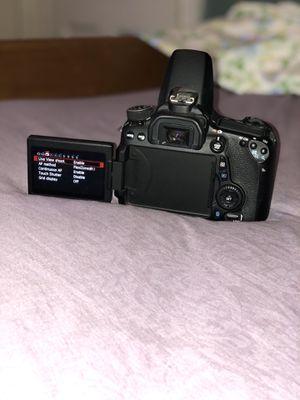 Canon EOS 70D Digital SLR Camera (Body Only) for Sale in Philadelphia, PA