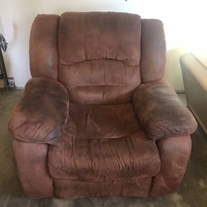 Recliner for Sale in Wenatchee, WA