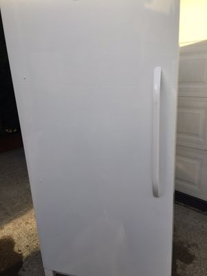 Frigidaire uprights freezer/refrigerator for Sale in Kent, WA