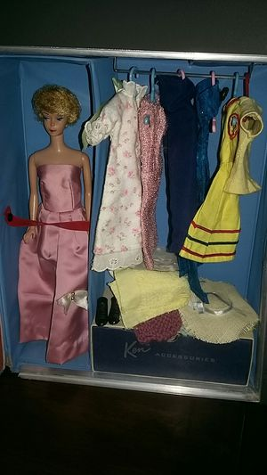 Vintage Barbie 1963 Doll With Original Carrying Case With Clothing & Accessories for Sale in Costa Mesa, CA