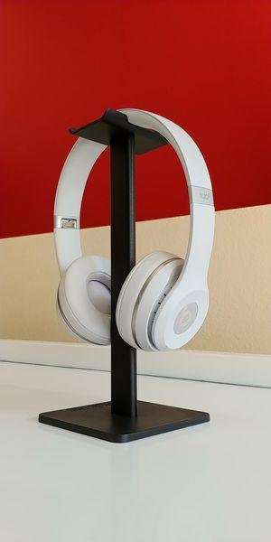 Beats Solo 3 Wireless On-Ear Headphones - Matte Silver for Sale in Seattle, WA