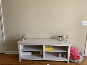 Small Entertainment Shelf for Sale in Cincinnati, OH