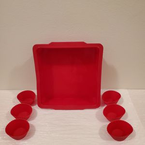 "NEW!! 8"" Square SILICONE BAKING PAN + SILICONE CUPCAKE MOLDS - firm price. for Sale in Arlington, VA"