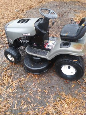 Craftsman lt2000 riding lawn mower runs and cuts good 17.5 hp 42inch deck located in Burlington nc {contact info removed} for Sale in Burlington, NC