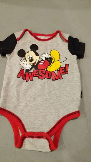 0 to 3 months onesie Mickey mouse for Sale in Hazelwood, MO