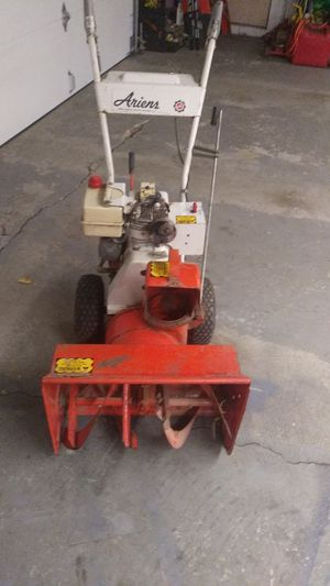 Ariens ST350 snowblower 2 stage electric start for Sale in Elmhurst, IL