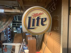 Miller light pool table light for Sale in Columbia, TN