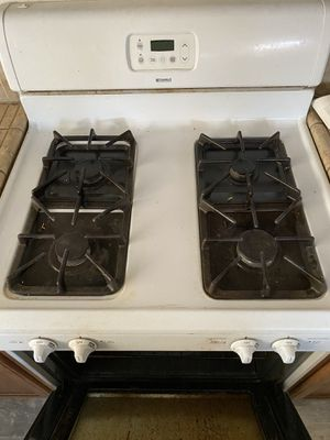 """Kenmore Gas Stove 30"""" for Sale in Victorville, CA"""