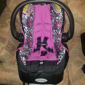 Evenflo car seat stroller 2 bases for Sale in GALIVANTS FRY, SC