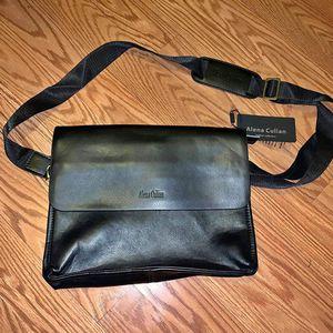 Men's shoulder / messenger bag for Sale in Elk Grove, CA