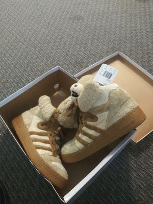 Size 10 1/2 Adidas JS Bears (original) for Sale in Portland, OR