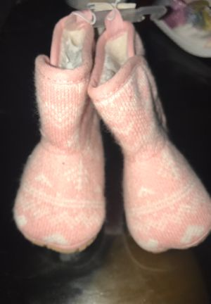 Old Navy Boots for baby girl size 6-12months for Sale in Philadelphia, PA