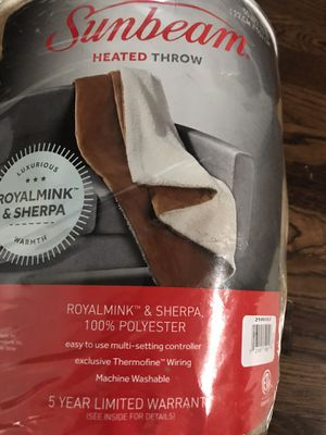 Sunbeam Sherpa RoyalMink Reversible Heated Throw Honey Blanket 3 Settings for Sale in Naperville, IL