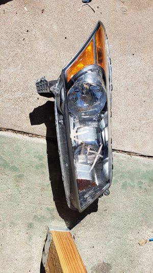 Honda accord headlight for Sale in Phoenix, AZ
