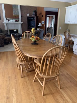 Dining Table w/8 chairs for Sale in Farmington Hills, MI
