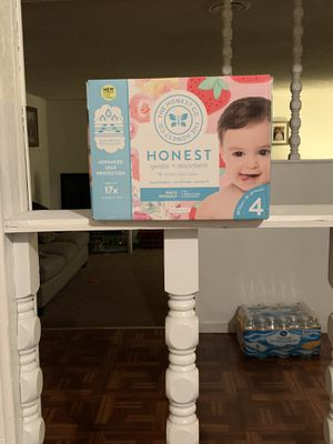 Honest Diapers size 4 for Sale in Fresno, CA