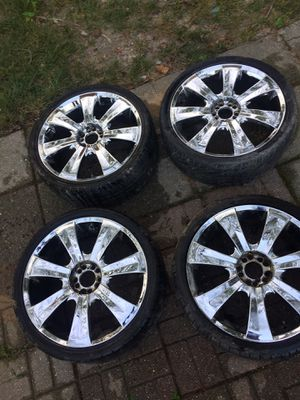 Universal chrome rims for Sale in Capitol Heights, MD