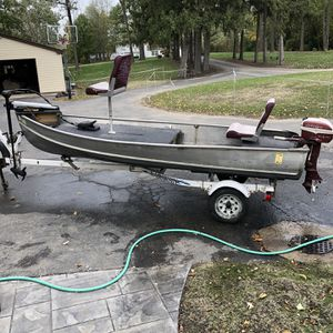 14 foot Aluminum Fishing Boat for Sale in Round Lake, IL