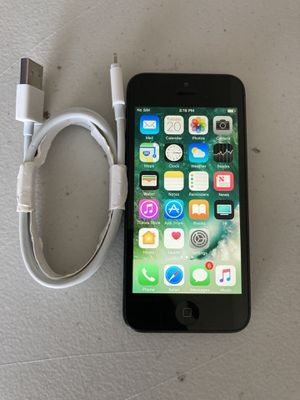 iPhone 5 16GB Unlocked T-Mobile AT&T Cricket for Sale in Hemet, CA