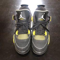 Air Jordan Retro Thunder 4's for Sale in Peoria,  IL