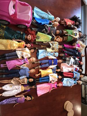 Collection of Disney Princesses and their related Prince. for Sale in Renton, WA