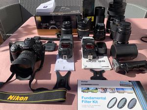 Nikon d7200 with 2 flashes, more than 5 lenses plus more accessories for Sale in Miami, FL