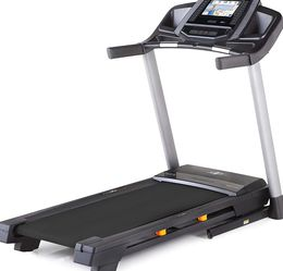 Nordictrack Elite 900 Treadmill BRAND NEW for Sale in Los Angeles,  CA