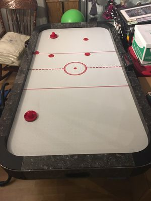 Air Hockey Table 7ft for Sale in Chicago, IL