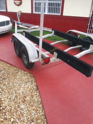 2003 magic tilt aluminum trailer 18/20ft boat trailer for Sale in Homestead, FL