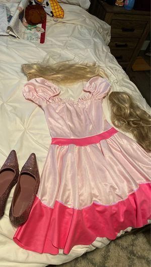 Princess peach costume w/ accessories for Sale in Imperial, MO