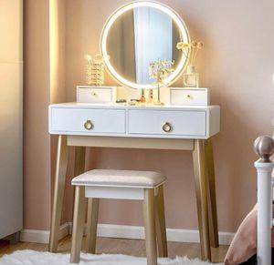 Makeup vanity for Sale in Wilton Manors, FL