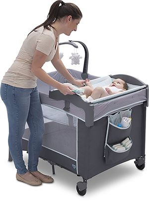 Delta lx deluxe play pen for Sale in Chicago, IL