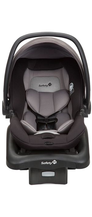 Infant car seat for Sale in Jersey City, NJ