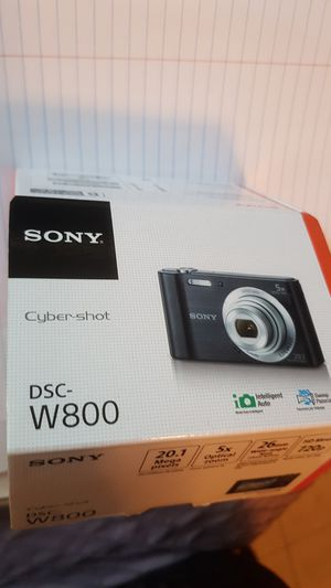 Sony dsc-w800 cybershot digital camera for Sale in Garden Grove, CA