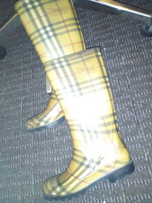 Burberry rain boots size 7 for Sale in Denver, CO