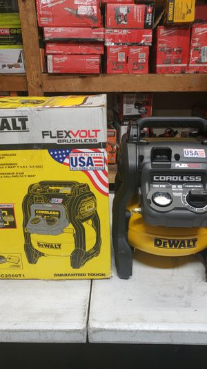 DEWALT FLEXVOLT 2.5 Gal. 60-Volt MAX Brushless Cordless Electric Air Compressor (PRICE IS FIRM!!!) for Sale in Fontana, CA