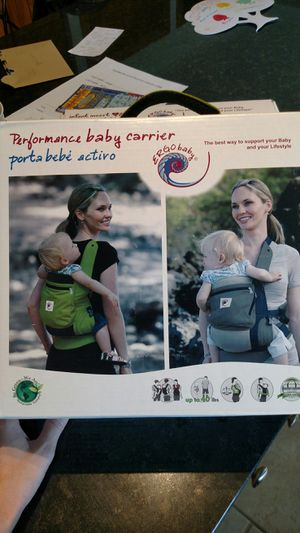 Ergobaby Performance baby carrier for Sale in Chesterland, OH