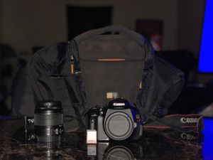 DSLR CAMERA AND EQUIPMENT ALL FOR SELL!!! for Sale in Suwanee, GA