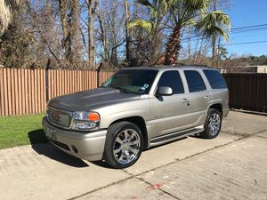 2002 GMC Yukon Denali super clean for Sale in Houston, TX