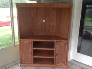Cornered Solid Oak Entertainment Center for Sale in Woodbury, TN