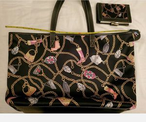 Authentic GUCCI Satin Pattern Tote Shoulder chains bag Wallet Set. LE for Sale in Los Angeles, CA