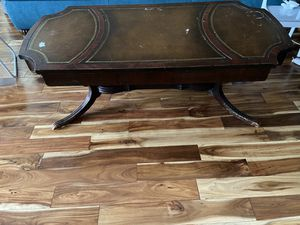 Coffee table and end tables (3 pieces) for Sale in Peoria, IL