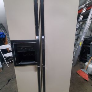 Kenmore Refrigerator 2 Doors for Sale in Santa Ana, CA