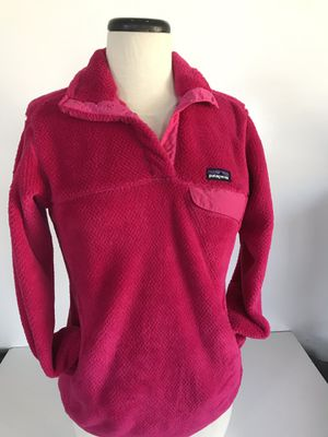authentic Patagonia women's fleece sweater with front packets. Size Women's S for Sale in Everett, WA