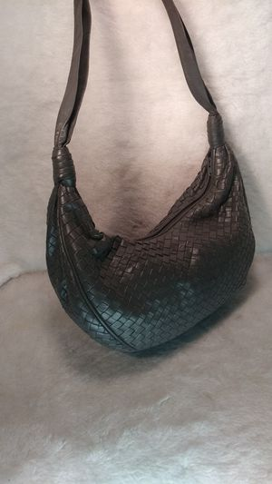 GRAY LEATHER PURSE for Sale in Overland, MO