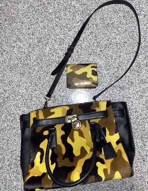 Michael Kors Camo purse w matching wallet for Sale in LITTLE ROCK, AR