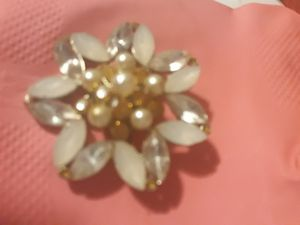 Brooche for Sale in Queens, NY