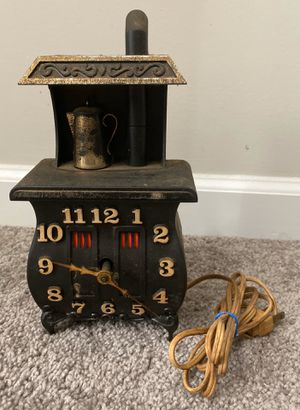 VINTAGE ANTIQUE COLLECTIBLE 1960 SPARTUS CORPORATION FIREPLACE CLOCK for Sale in Chapel Hill, NC