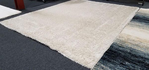 Nice Display Model Thomasville Marketplace Shag Area Rug - Delivery Available for Sale in Tacoma, WA